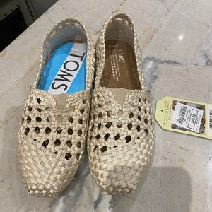 TOMS - new with tags, champagne colour